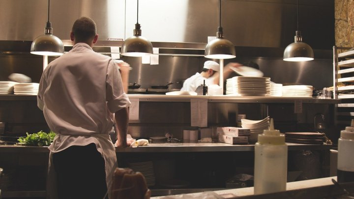 Wiederöffnung der niedersächsischen Gastronomie: Gäste sind zufrieden – Befragung zeigt dramatische wirtschaftliche Lage