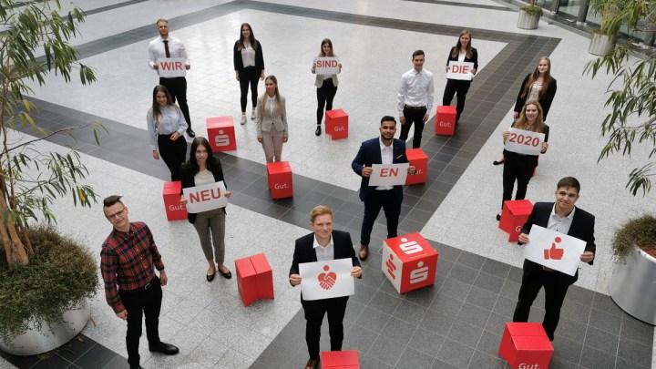 Ausbildungsbeginn mal anders: 23 Berufsstarter bei der Sparkasse Hildesheim Goslar Peine