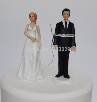 Free-Shipping-Funny-Groom-Bride-Cake-Topper-Resin-Crafts-Wedding-Couple-Cake-Topper-Accessories-Wedding-Cake