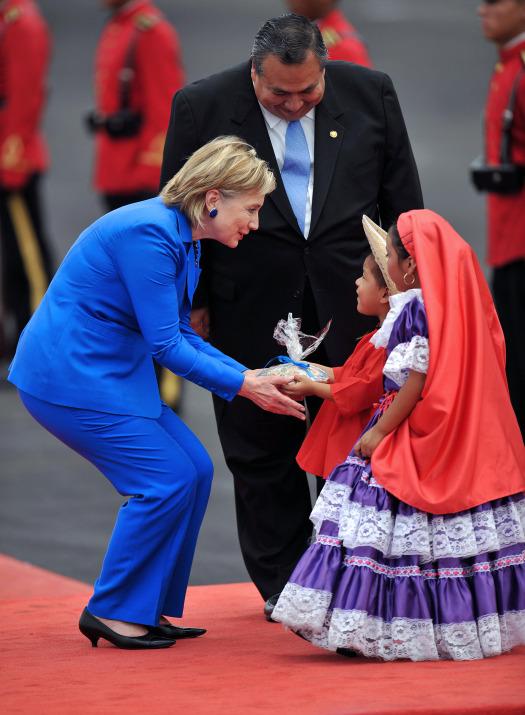 Hillary Clinton visits El Salvador (2/6)