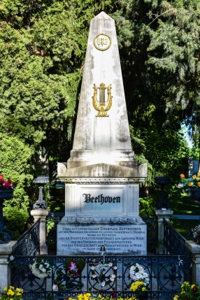Vienna cemetery - Beethoven grave