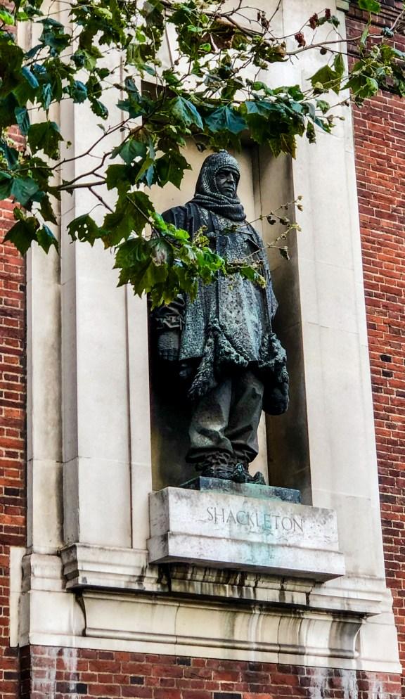 Shackleton statue in London