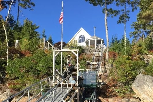 Outdoor Hillside Elevator Tram & Lift Systems - Hill Hiker, Inc