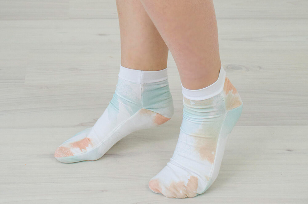 Eigenes Design auf Stoff bringen - Watercolor Fabric - Socken nähen