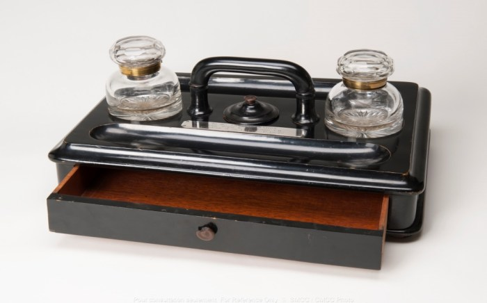 Confederation Inkstand Library of Parliament Collection; image © Canadian Museum of History, IMG2014-0125-0007-Dm
