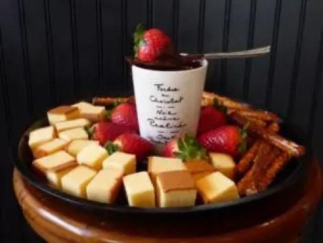 easy homemade chocolate syrup fondu recipe