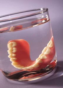 How-to-Maintain-Your-Dentures