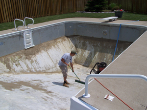 The Liner Will Be Custom Made To Fit Your Pool. Once It Arrives, Weu0027ll  Drain Your Pool, Remove The Debris From The Bottom, And Remove The Old  Liner.