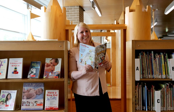 Mayor Byrne at Castle Hill Library