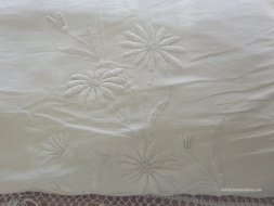 detail of mountmellic pillowcase
