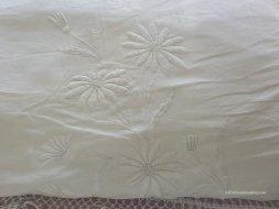 detail of mountmellic pillowcase