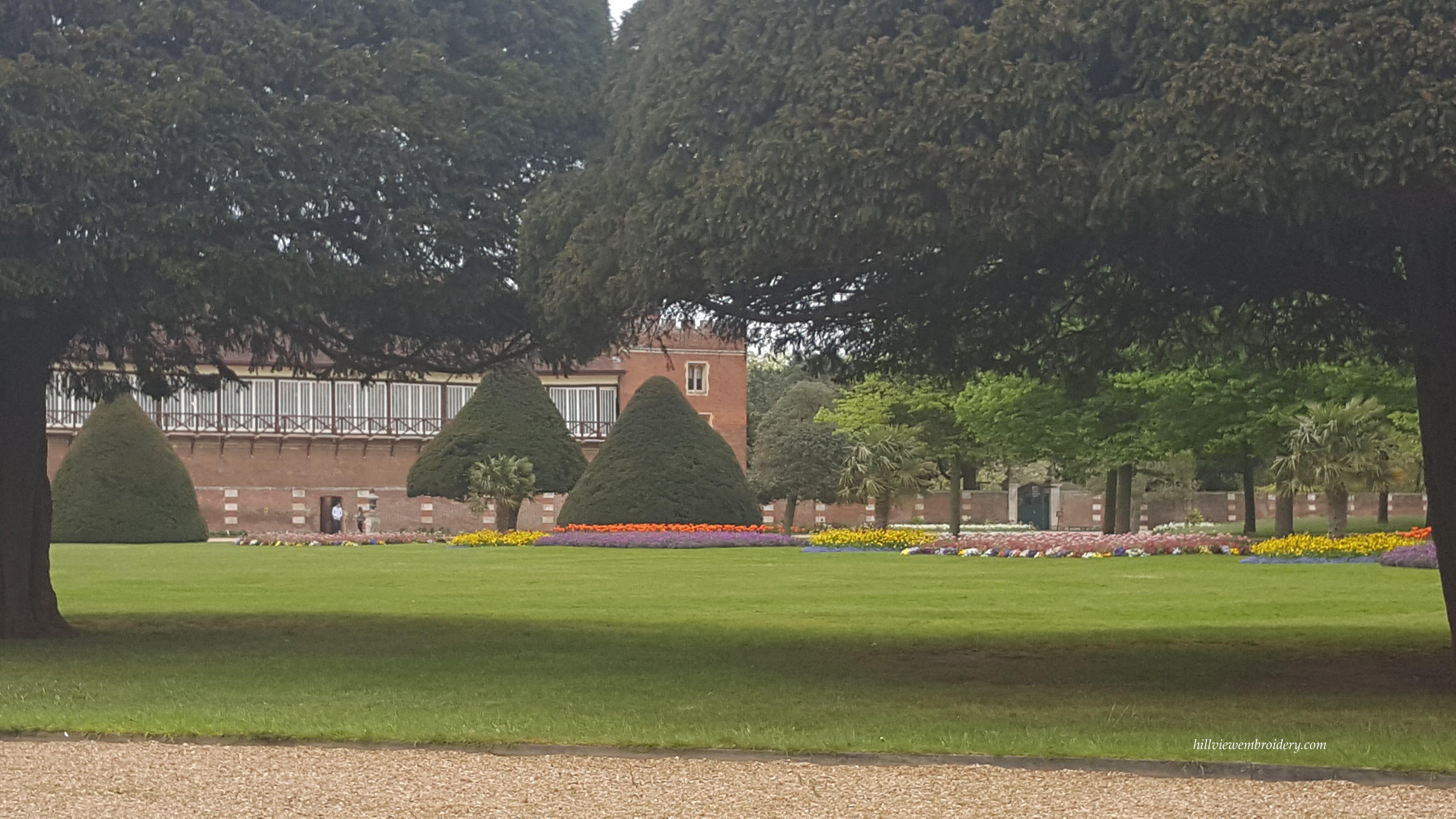 gardens at Hampton court 2