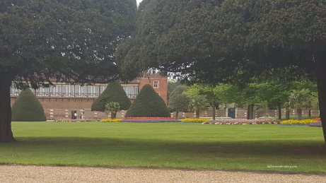 gardens at Hampton court 2