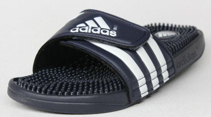 Chanclas Adidas por 12 € (dan masaje)