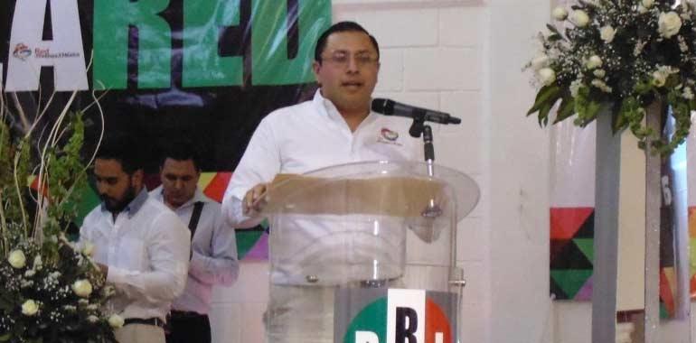 Impiden en San Lázaro asuma diputado ligado a César Duarte