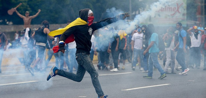 Resultado de imagen para Venezuela: La derecha busca un baño de sangre