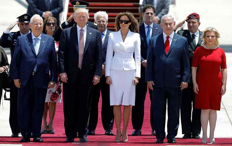 Trump visita el muro de las lamentaciones (VIDEO)