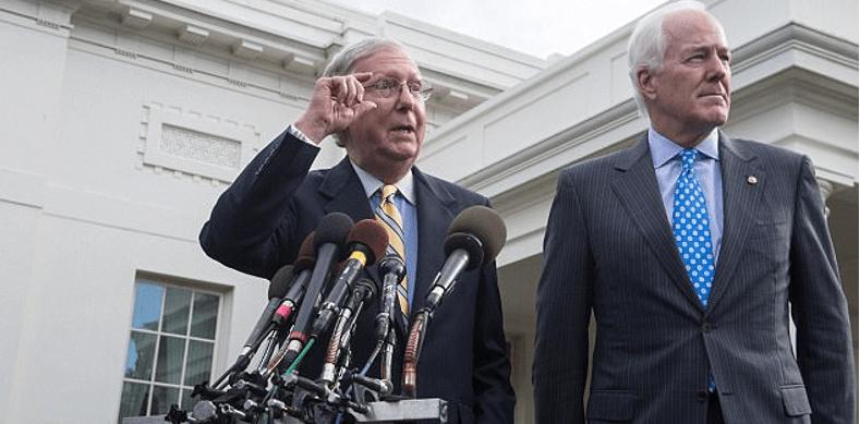 Republicanos aplazan la reforma de salud