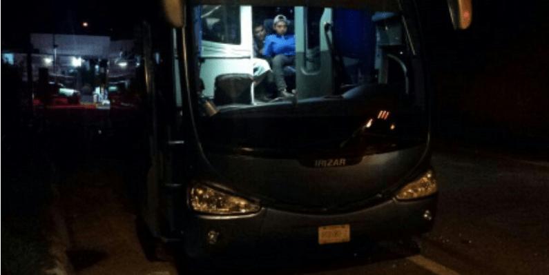 Tirotean caravana de Nochixtlán rumbo a la CDMX por Ayotzinapa