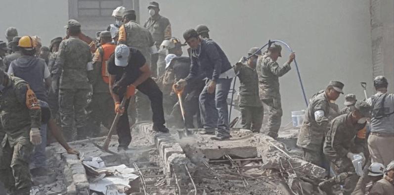 Militares imponen férreo control en zona devastada de la colonia Roma