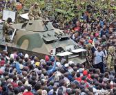 Multitudes exigen renuncia del dictador de Zimbabue