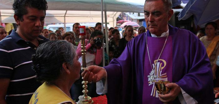 Obispo de Chilpancingo dialoga con narcos para buscar la paz