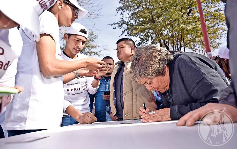 Emprende Cabada colecta de firmas para su reelección en Juárez