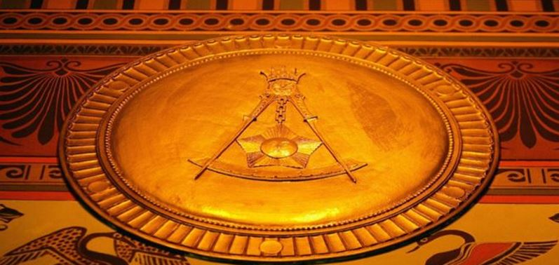 Quiénes son los masones y por qué están rodeados de secretismo y polémica