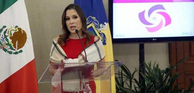 Tunden a comisionada del INAI que va de candidata del PRI