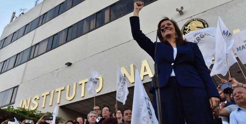 Pese a 700 mil firmas falsas, Margarita Zavala celebra su candidatura