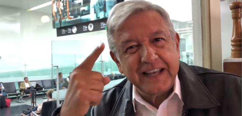 Llama AMLO a batalla de memes contra guerra sucia de PRI y PAN (VIDEO)