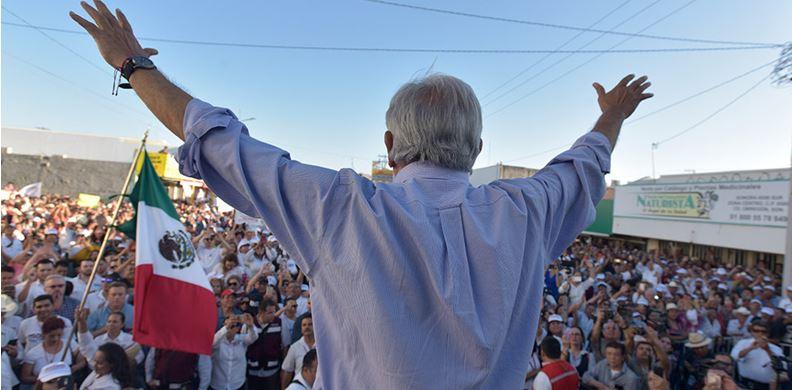 Pide AMLO voto en bloque para obtener mayoría en el Congreso