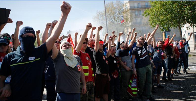 Arrecian en Francia las protestas contra Macron