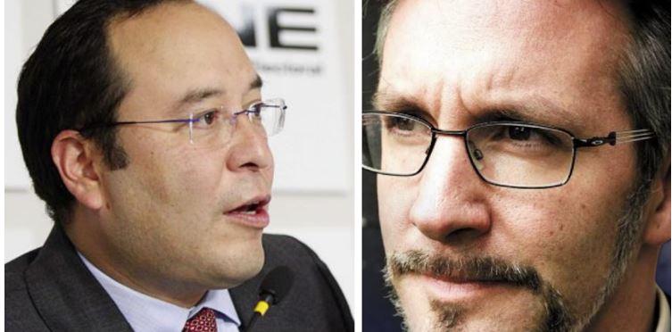 Ackerman demanda a Ciro Murayama por bloquearlo en Twitter