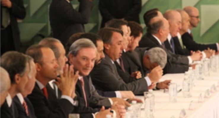Los magnates quieren su propio partido político