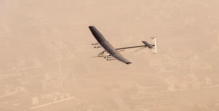 Tras ataque israelí, desaparece avión ruso en Siria
