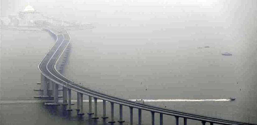 Inaugura China el puente más largo del mundo