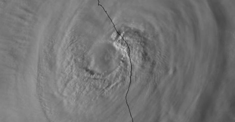"""El huracán """"Willa"""" toca tierra en Escuinapa (VIDEO)"""