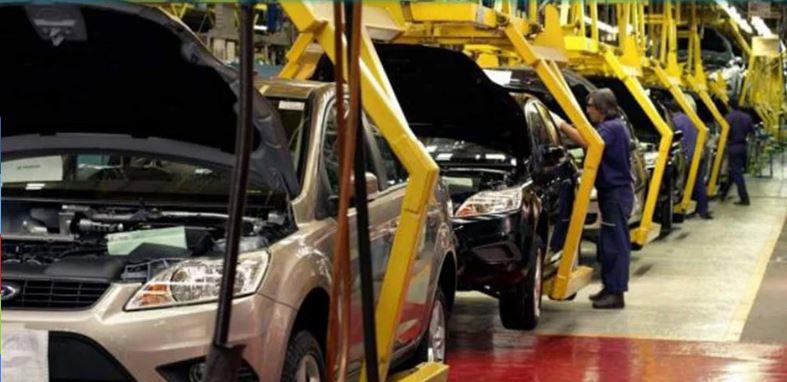 China suspende alza de aranceles a autos de EU