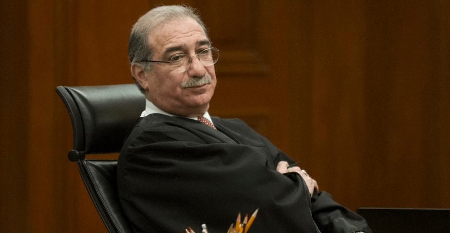 Buscan juicio político a magistrado que suspendió Ley de salarios