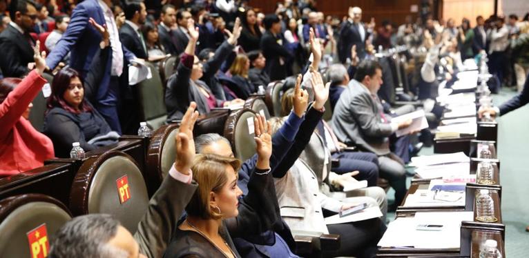 PRI y PAN se abstienen de votar que huachicoleo sea delito grave