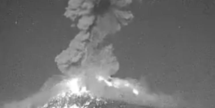 El volcán #Popocatépetl entra en fase eruptiva (VIDEOS)