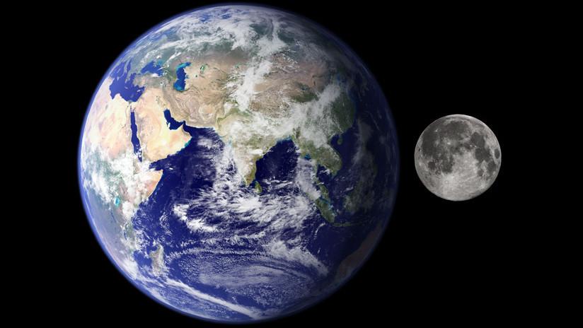 La Luna orbita dentro de la atmósfera de la Tierra y no fuera