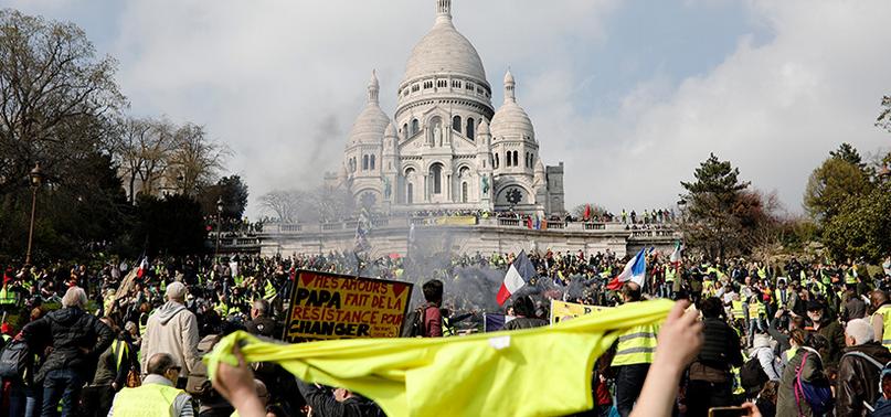 'Chalecos amarillos' cuestionan donaciones para Notre Dame