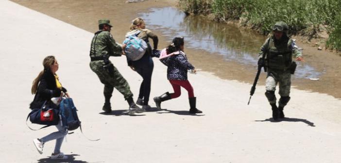 """Reconoce AMLO """"excesos"""" con los migrantes; ofrece revisar casos"""