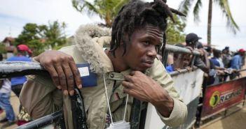 Reportan miles de haitianos varados en Colombia