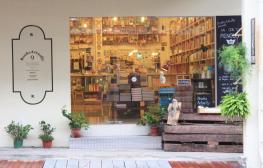 books-actually-singapur-2