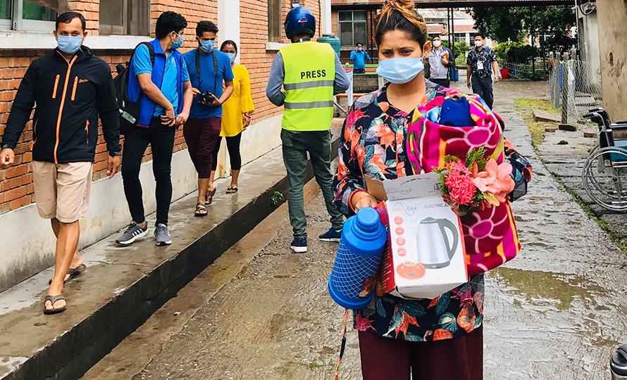 ३ दिनमै कोरोनालाई जीतेर घर फर्किइन् हेटौंडाकी २५ वर्षीया गर्भवती महिला