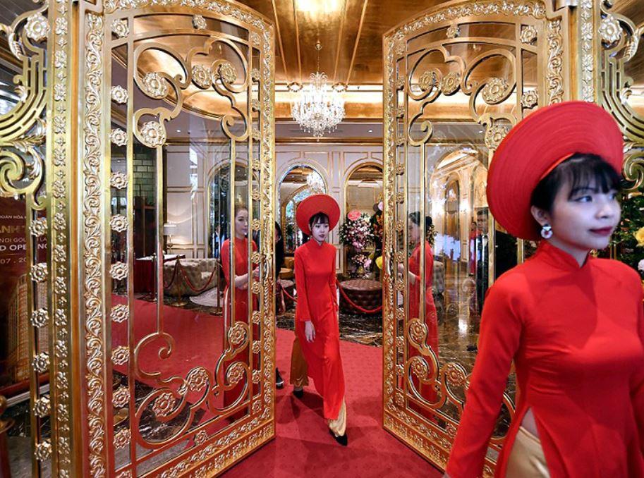 विश्वकै पहिलो सुनले बनेको होटल: एक रातको मुल्य सुन्दै परिन्छ चकित [१५ तस्विर]