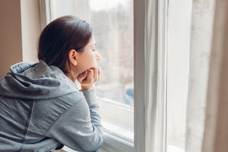 घरमै आइसोलेसनमा बस्दा साँस फेर्न गाह्रो भयो ? तुरून्त अपनाउनुस् यी ९ उपाय